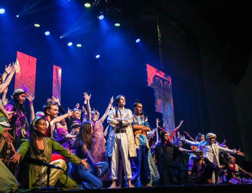 Aladdin Wows the Crowd
